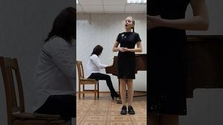840. Амельченкова   Софья (11 лет)/Французская народная песня в обр. И. Адмони «Матушка Мишель».
