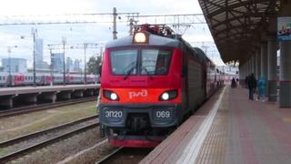 Электровоз ЭП20-069 с поездом№740А Брянск-Москва станция Москва-пасс. Киевская