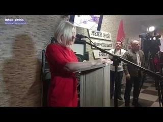 Вскрытие капсулы времени, которую заложили 40 лет назад в СШ №17 города Барановичи