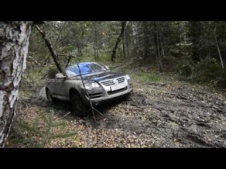 Touareg mud offroad with snow chains