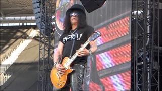 Guns N' Roses - London Stadium, Queen Elizabeth Olympic Park 16th June 2017 (Complete)
