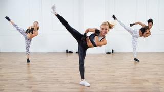 30-минутная тренировка бокс и кикбоксинг - Кардио ВИИТ для нижней части тела с Кристой ДиПаоло. 30-MinuteBelow-the-BeltBoxing and Kickboxing Workout With Christa DiPaolo