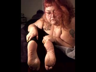 Bbw mama kat feet tickled