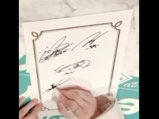taemin is really out there forging his members signatures that fast