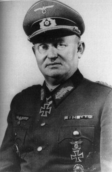 Командир 20-й тд. Хайнрих фон Люттвитц.