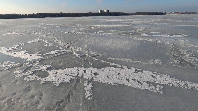 Покатушка по льду озера Сенеж в Солнечногорск.И общение с рыбаком. 22 февраля 2020 года.