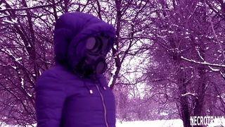 BLUE SKI OVERALL + MASK OF CZECH ANTIGAS CM-7 WITH BLACK LENS TONING. WINTER WALKS GIRL IN SCAFANDER