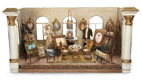 Кукольные домики, появившиеся в 16 веке, предназначались вовсе не для игр, а для украшения интерьера Высокая детализация, миниатюрность, искусность работы делали их предметом коллекционирования