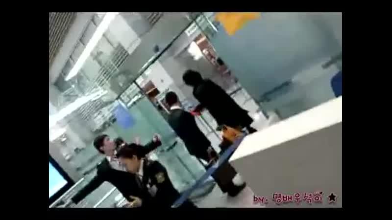 2010 03 06 Jang Keunsuk in Incheon airport to Taiwan
