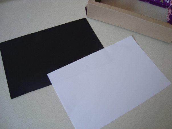 ТЕАТР ТЕНЕЙ Простой театр теней легко сделать из простых и доступных материалов. Приготовьте черный картон, коробку из-под хлопьев, деревянные шпажки, узкий скотч, двусторонний скотч ножницы,