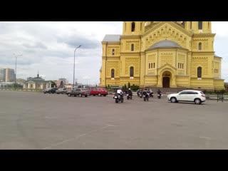 lady biker - старт колонны на оз. Светлояр