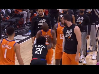 Patrick Beverley shoved Chris Paul in the back and the teams got together at midcourt 😲