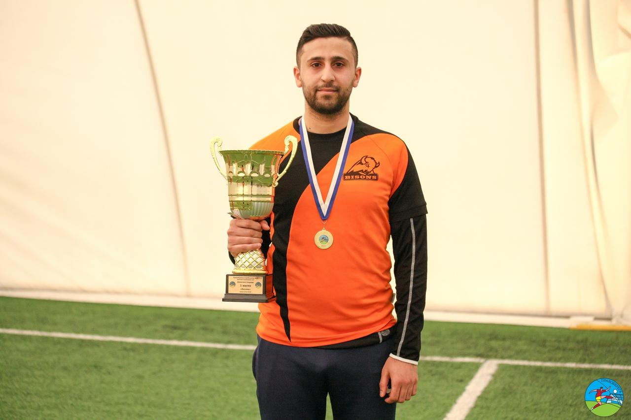 Эмат Халиль (Бизоны) - чемпион дивизион Свирида.