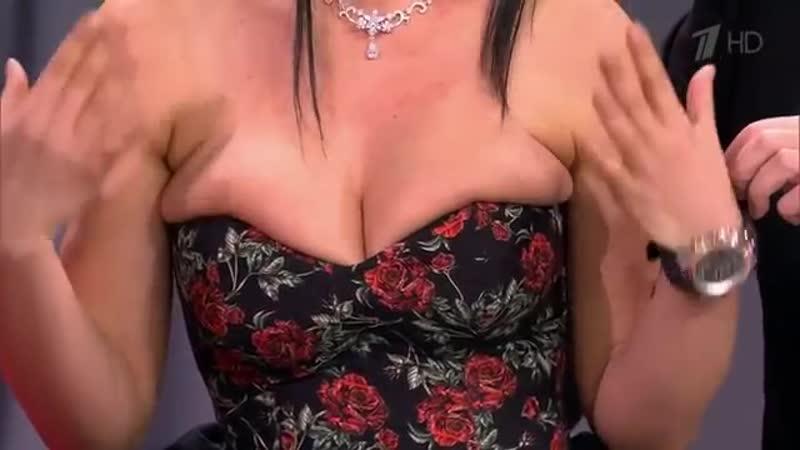 Элина Ромасенко - Понимаете, дело в том, что я себя очень люблю и моя любовь просто не укладывается в формат платья