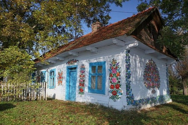 Расписная деревушка в Польше, изображение №5