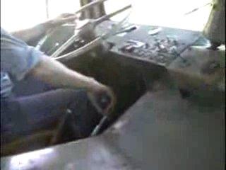 Переключение передач в старых грузовиках.