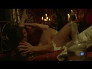 Esmeralda Moya - Victor Ros (s02e01) (2016) (эротическая постельная сцена из фильма знаменитость трахается голая sex scene секс)