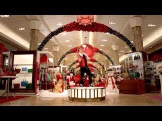 Помимо ужасно одетых Мэрайи Кэри и Джастина Бибера, в этом рождественском клипе можно увидеть прекрасную собачку...