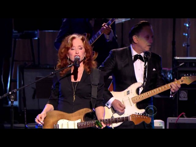 Bonnie Raitt Tracy Chapman Jeff Beck and Beth Hart Sweet Home Chicago 2012