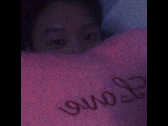 """심예준 on Instagram heart cushion love foru fcuz yejun 릴릴리 해해 뇽뇽뇽 뿅뿅뿅 GN😴💓 HBD ma man kan 칸생축"""""""