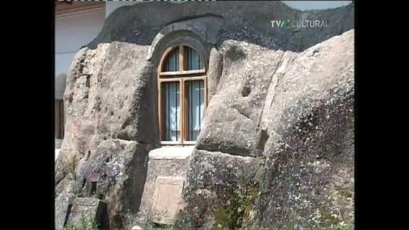 Biserici Rupestre Nămăieşti Cetăţuia şi Corbii de Piatră