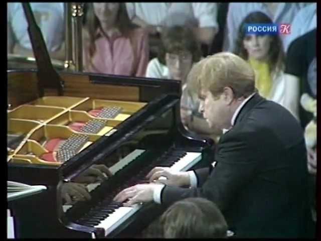 Эмиль Гилельс исполняет фортепианный концерт Грига