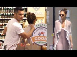 Jessica Alba And Cash Warren Show PDA While Sunday Shopping