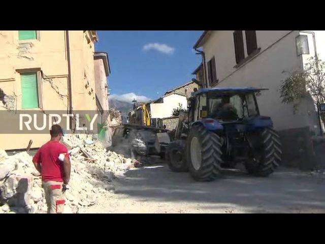 Италия Спасательная операция продолжается в пострадавших от землетрясения Аматриче 35 сообщили мертвым