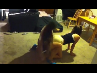 Very hot lap dance sexy clip divos studio tv lesbian лесбиянки танцуют