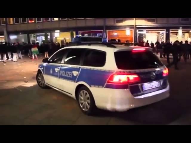 Беженцы беснуются в Кельне в новогоднюю ночь сексуальные домогательства грабежи изнасилования