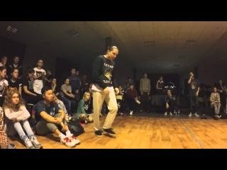 Funky man #8     Popping 1/8 final       Макс Болотских vs PAKU