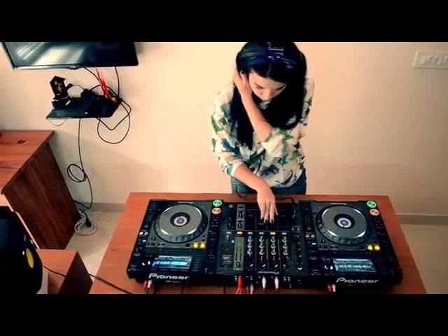 Teri Miko DJ Teri Live Mix Session Part 1