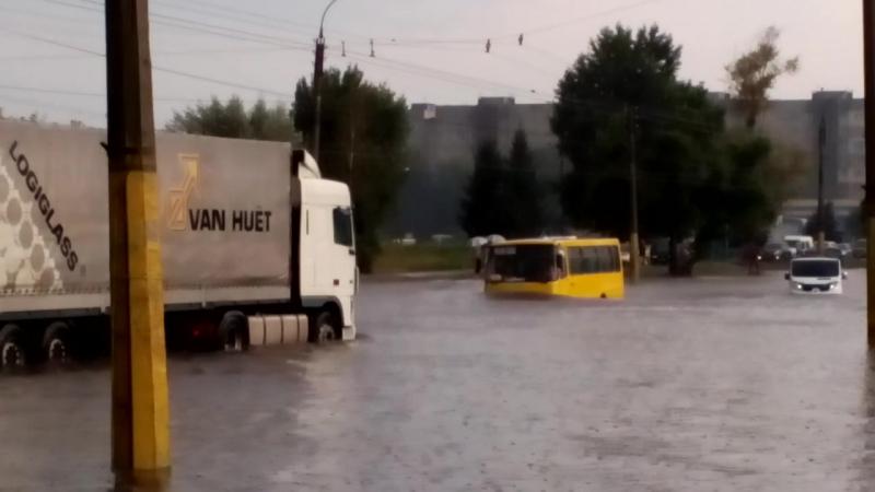 Відчайдухи вул Сумгаїтська Фуршет