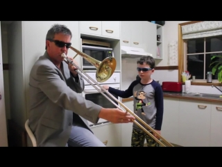 Dad and son – when mom isn't home (прикол)