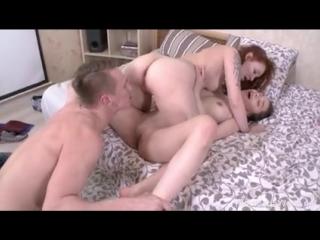 Местные потаскушки решили совратить флегматичного ботаника | минет русское порно большие сиськи зрелые инцест анал порно домашне