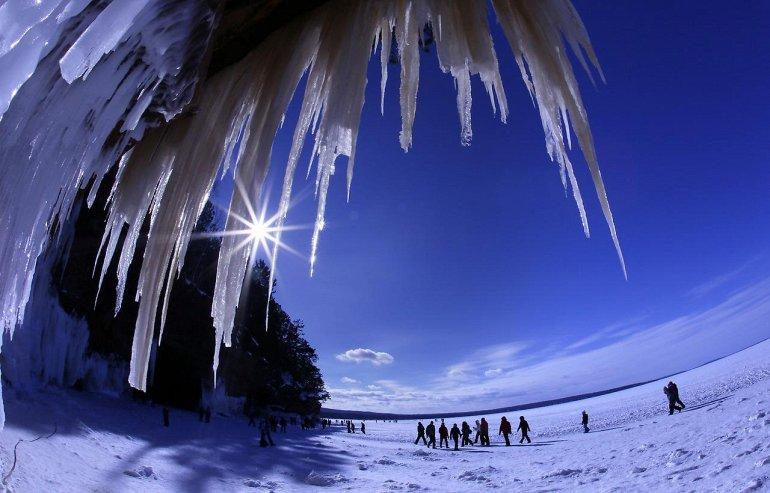 Ледяные пещеры островов Апосл, изображение №1