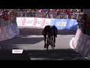 Дуэль Тиджея ван Гардерена и Микеля Ланды на финише восемнадцатого этапа Giro100 велоспорт