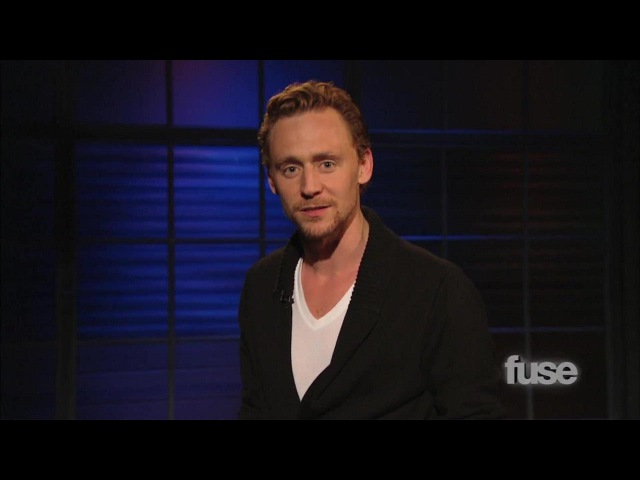 Tom Hiddleston Performs Henry V Monologue | Hoppus On Music | Fuse