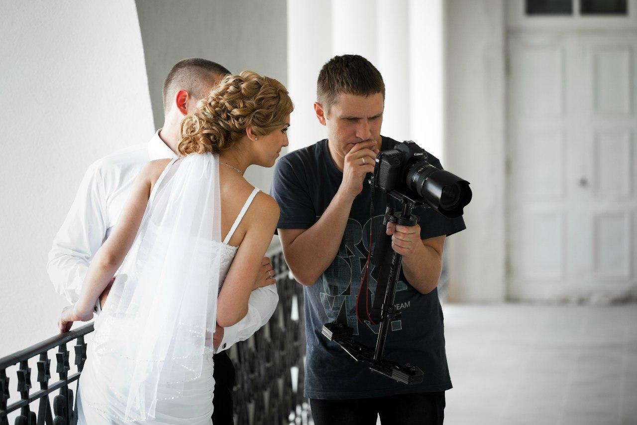 на какую оптику снимают свадебные фотографы этой причине