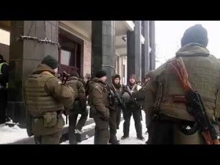 """- На """"майдан"""" прибыли вооруженные автоматами боевики Нацгвардии"""