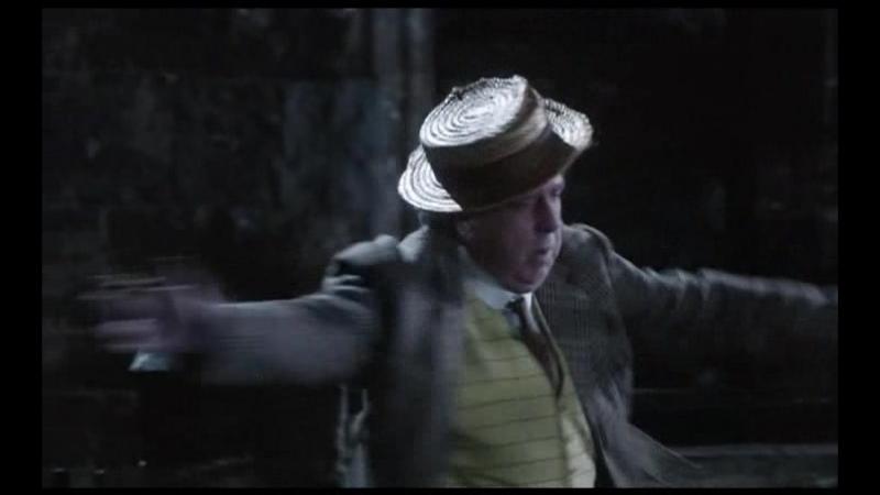А по нашему раз два три коротыш Отрывок из сериала Замок Бландингс