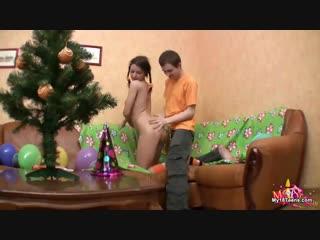 Бышие одноклассники трахаются на новогодней вечеринке (новый год, русское, порно, секс, russian, student, party, )