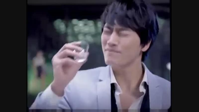 Корейская реклама алкогольного напитка соджу ))