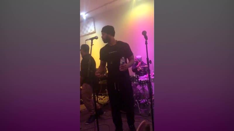 Музыкальное выступление Этуотера Полиция Чикаго