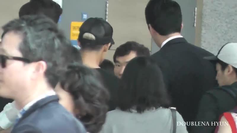 2014 06 29 kim hyun joong -- Аэропорт Пекин вылет в Сеул