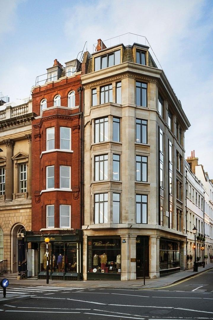 Пентхаус расположен в самом центре Лондона, в Великобритании.