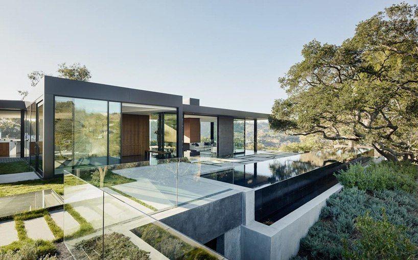 walker workshop completes unobtrusive oak pass house in beverly hills