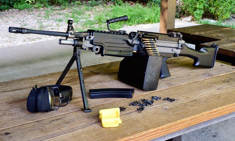 Ручной пулемет М-249 SAW