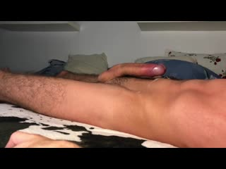 Guy moaning while humping bed cum handsfree 4k