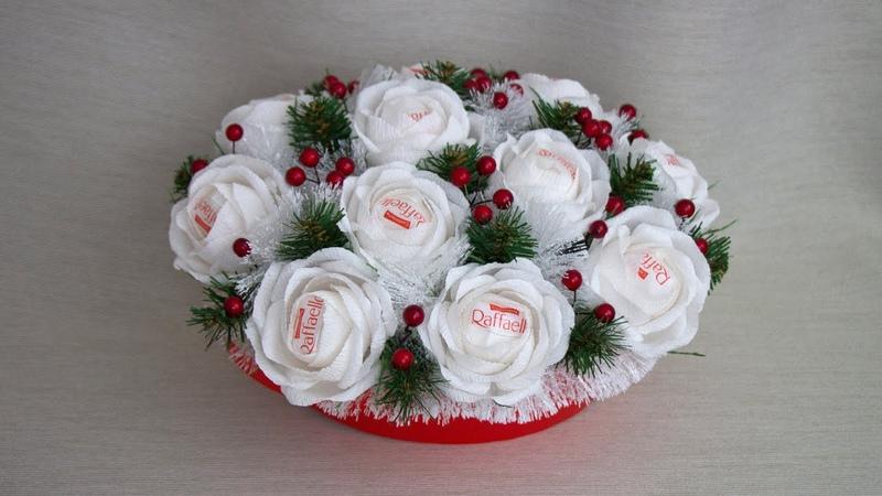 Как собрать новогоднюю корзину с розами из конфет своими руками? Новогодний подарок. Идея DIY